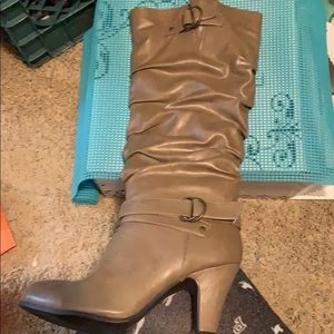 Rampage boots size 9